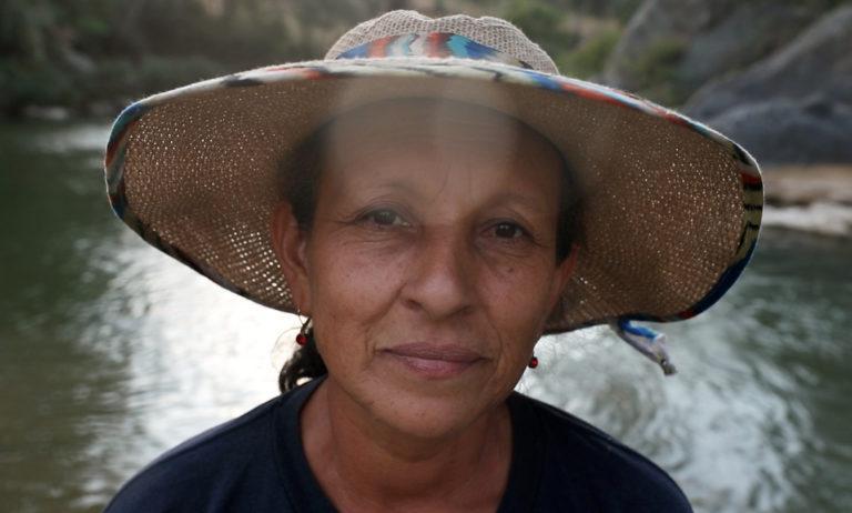 """阅读更多有关""""新水系统使厄瓜多尔社区在家中获得安全用水""""的文章"""