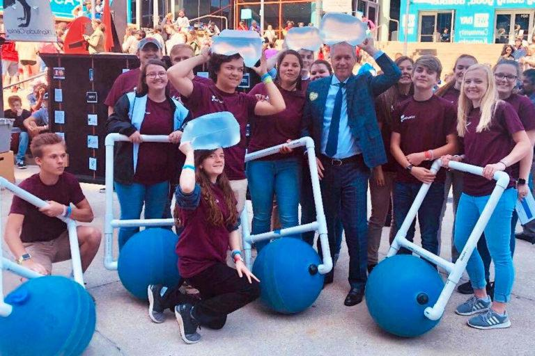 Read more about the article WaterStep Interns Engage WE Day Audience