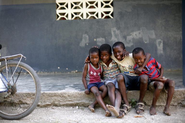 阅读更多关于纪念海地-十年后的文章